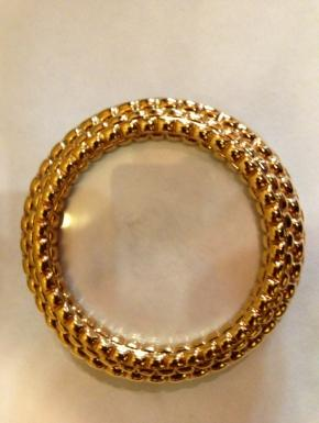 Kt.18 gold frame with small sapphires on the back